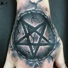 What does pentagram tattoo mean? We have pentagram tattoo ideas, designs, symbolism and we explain the meaning behind the tattoo. Hand Tattoos, Star Tattoos, Body Art Tattoos, Tribal Tattoos, Forearm Tattoos, Tatoos, Alien Tattoo, Devil Tattoo, Pentacle Tattoo