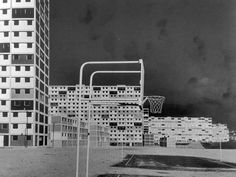 Desarrollo residencial 23 de enero. Caracas. Arq. Carlos Raúl Villanueva. Foto: Paolo Gasparini. En: New directions in Latin American architecture.