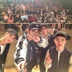 👄 my boys. Sehun, chanyeol, suho and kyungsoo Exo Chanyeol, Exo Ot12, Kyungsoo, Kpop Exo, Kai, Exo Group Photo, Exo Official, Chansoo, Chanbaek