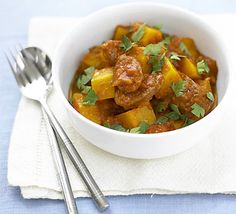 Squash & chorizo stew: A low-fat quick casserole that's great on a cold day and easy to make for a crowd or just one Bbc Good Food Recipes, Meat Recipes, Cooking Recipes, Healthy Recipes, Recipies, Yummy Food, Butternut Squash Benefits, Cut Butternut Squash, Quick Casseroles