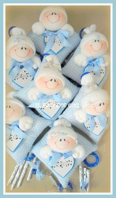 Almohaditas Foam Crafts, Baby Crafts, Diy And Crafts, Life Like Babies, Baby Shower Photo Booth, Baby Keepsake, Felt Dolls, Doll Clothes, Sewing Projects
