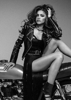 Zendaya Photoshoot, Biker Photoshoot, Motorcycle Photo Shoot, Motorcycle Photography, Bike Photo, Lady Biker, Biker Girl, Model Shooting, Biker Chick