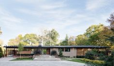 This #modern ranch home is the perfect example of a beautiful #midcentury #renovation.