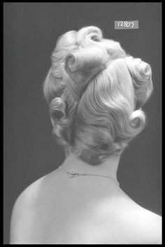 For the ladies' hairdresser T. Vasco Ltd., 1940.