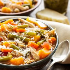 A hearty soup full of vegetables, shredded chicken, cannellini beans, pesto and topped off with parmesan cheese! Vegetable Soup With Chicken, Vegetable Soup Recipes, Pesto Chicken, Chicken And Vegetables, Sweet Potato Carrot Soup, Ginger Smoothie, Spaghetti Squash Recipes, Broccoli Rice, Shredded Chicken