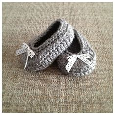 Hey, I found this really awesome Etsy listing at http://www.etsy.com/listing/172917795/baby-girl-bow-shoes