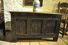 A MID 17TH CENTURY OAK COFFER. ENGLISH. CIRCA 1630