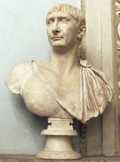 Busto in marmo dell' imperatore Traiano , 108 d. C.