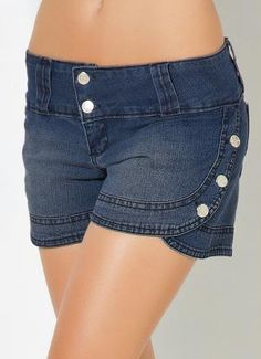 Short Jeans com Detalhes de Botões Shorts Jeans