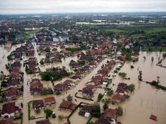 Disastrous floods in the Balkans two years ago are likely linked to the temporary slowdown of giant airstreams, scientists found. These wind patterns, circling the globe in the form of…