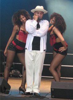 """""""Lou Bega and his dancers"""""""