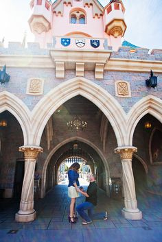 I would love for my bf to do this. Disney is giving away a trip to one of the Disney Parks and a proposal package from Disney Fairy Tale Weddings. Disneyland Marathon, Disneyland Proposal, Disneyland Castle, Disney World Proposal, Disneyland Photos, Disneyland California, Disney Dream, Disney Style, Disney Love