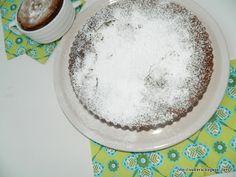 Ένα υπέροχο αρκετά υγρό κέικ μεσοκολάτα καιταχίνι, το οποίο το φτιάχνω πάντα στις νηστείες και έχει ενθουσιάσει όποιον το έχει δοκιμάσει. Μεθυσμένο με ρούμι και αρωματισμένο με πορτοκάλι!!!! Το τ… Tahini, Sugar, Food, Eten, Meals, Diet