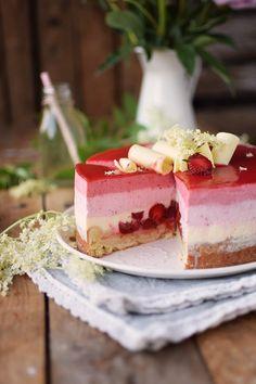 Erdbeer Holunderblueten Joghurt Torte - Strawberry Elderflower Yogurt Cake   Das Knusperstübchen