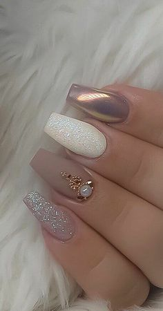 Stylish Nails, Trendy Nails, Bride Nails, Cute Acrylic Nails, Matte Nail Art, Glitter Nail Art, White Glitter, Acrylic Nail Designs Glitter, Coffin Nails Glitter