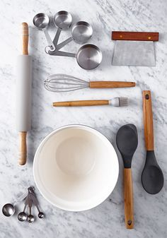 A selection of Helen's favourite kitchen items from her Considered by Helen James range, exclusively at Dunnes Stores Kitchen Kit, Kitchen Items, Kitchen Decor, Artisan Food, Art Decor, Decoration, Home And Living, Sweet Home, Essentials