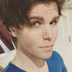 """RT @Onision: They misheard Hitler he said """"I hate juice."""" His audience was racist/cheered and Hitler was so scared he just went with it. True story."""
