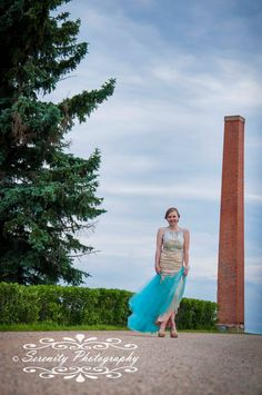 2017 Grad portraits in North Battleford, SK. Pose ideas for Graduation session. www.serenityphotographyltd.com Strapless Dress, Graduation, Portraits, Poses, Ideas, Dresses, Fashion, Strapless Gown, Figure Poses