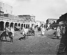 Antonio Cavilla Photographer: Larache, la kaisseria, calle del comercio.