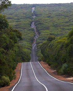 Amazing road on Kangaroo Island, South Australia. Photo by © Isabelle Antonetti