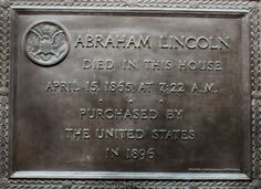 Peterson House where Lincoln died across from Ford's Theatre in Washington D.C. - www.TourGuideToFun.com #petersonhouse #fordstheatre #lincoln #lincolnassassination #washingtondc
