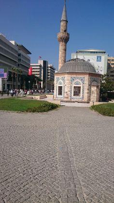 İzmir, İzmir konumunda Konak Camii