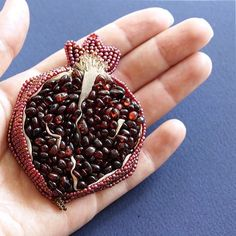 Birth Mother, Delicious Fruit, Beading Projects, Table Centerpieces, Art Inspo, Blackberry, Beads, How To Make, Granada