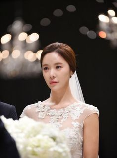 9 Photos from Hwang Jung Eum's glamorous wedding!