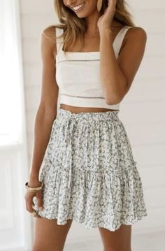 45 Trendy summer outfits that will save your life completely making you look beautiful, amazing and always ready to impress. Trendy Summer Outfits, Cute Casual Outfits, Spring Outfits, Casual Summer Style, Cute Outfits With Skirts, Cute Summer Clothes, Chic Outfits, Hipster Outfits, Cute Skirts