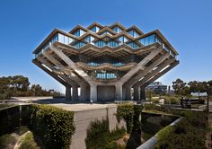 Central Library in San Diego / by William Pereira / photo by Darren Bradley