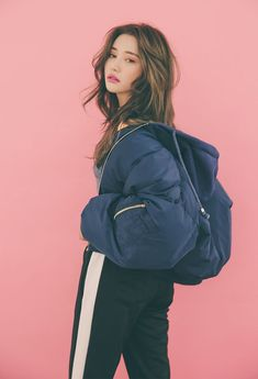 best Ideas for fashion model body posts Korean Fashion Winter, Asian Fashion, Look Fashion, Girl Fashion, Fashion Outfits, Face Fashion, 90s Fashion, Trendy Fashion, Fashion Beauty