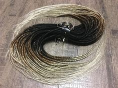 ❗️on the model in the photo - x45 CROCHET de dreads‼️ Here you can buy OMBRE FROM BLACK TO BROWN TO BLONDE synthetic Double ended or Single ended dreads in the right quantity. FREE SHIPPING. Material - 100% kanekalon. De dreads x10 de dreads = 10 pieces (20 ends) x20 de dreads = 20