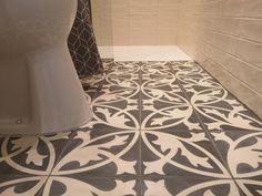 cementtiles bathroom Cement, Tile Floor, Flooring, Texture, Bathroom, Crafts, Surface Finish, Washroom, Manualidades