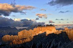 Enrosadira sulla Croda da Lago dal Rifugio Nuvolau - PASSO GIAU - Dolomiti Veneto Italy