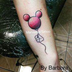 Tatouage ballon mickey réalisé par Barbara