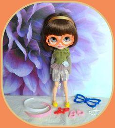 Blythe doll accessories, eyeglasses, shoes, headband, dress hanger, pull charms http://r.ebay.com/vso6d4