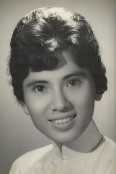 Mother Theresa aged 18 years.  What a beauty .. shame that we remember her as an old lady.