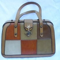 size x great condition Vintage Bags Vintage Bags, Vintage Handbags, Vintage Green, Vintage Ladies, Vintage Outfits, Vintage Boutique, Michael Kors Hamilton, Indie Brands, Green And Brown