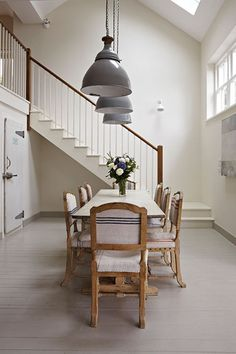 Dining Room Painted In Farrow & Ball Slipper Satin And Hardwick White Farmhouse Dining Room Best White Paint, White Paint Colors, Neutral Paint, White Paints, Gray Paint, Farrow Ball, Farrow And Ball Paint, Wimborne White, Modern Country Style