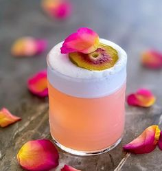 Festive Cocktails, Craft Cocktails, Summer Cocktails, Mojito, Wine Drinks, Alcoholic Drinks, Beverages, Gin Drink Recipes, Gin Cocktail Recipes
