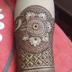 Image may contain: indoor Wedding Henna Designs, Basic Mehndi Designs, Peacock Mehndi Designs, Latest Bridal Mehndi Designs, Mehndi Designs For Girls, Dulhan Mehndi Designs, Mehndi Design Pictures, Mehndi Designs For Fingers, Latest Mehndi Designs