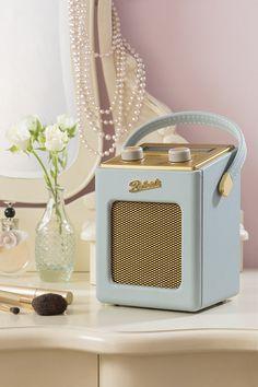 Roberts vintage-style Revival Mini DAB/FM radio - Retro to Go Tv Retro, Retro Vintage, Vintage Style, Radios Retro, Digital Radio, Transistor Radio, Duck Egg Blue, Cool Stuff, Vintage Makeup