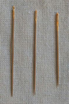 Japanese Embroidery Sashiko Excellent tutorial about sashiko stitching, an embroidery method of little stabs. Great pictures and detailed explanations.