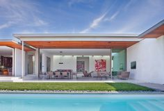 Studio William Hefner completes Beverly Hills house for an art collector