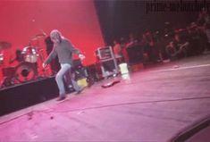 phineas4cobain: ladies and gentlemen kurt cobain, walking his guitar. with krist and dave