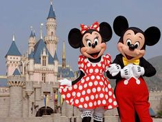 Micky and Minnie in Disneyland