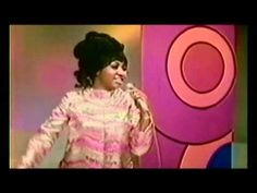 Aretha Franklin - Chain Of Fools Live (1968)...original video....whoa...step back Lady Aretha is in the house!