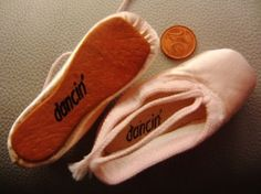 dancin' mini pointe shoes