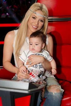 Shakira and her baby!! :3