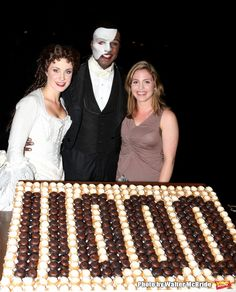 Photo Coverage: Norm Lewis, Sierra Boggess & THE PHANTOM OF THE OPERA Cast Celebrate 11,000 Backstage - Norm Lewis and Sierra Boggess with Baker Melissa Bushell